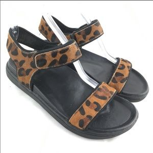 Ankle strap sandals flat leopard print fur Astra